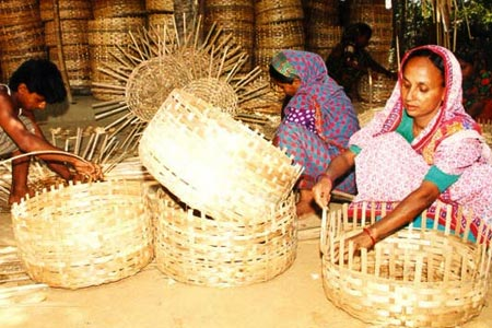 Microfinance liberates the creative potential of marginalised women and others that banks are so fearful of - Basket weavers supported by Grameen Bank