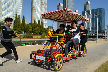 Songdo, South Korea, is a smart city run by computers but kids can have fun
