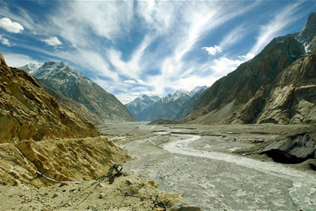 At altitudes of 13,000ft and above, the bleak but beautiful Siachen Glacier valley is a hotly contested spot.